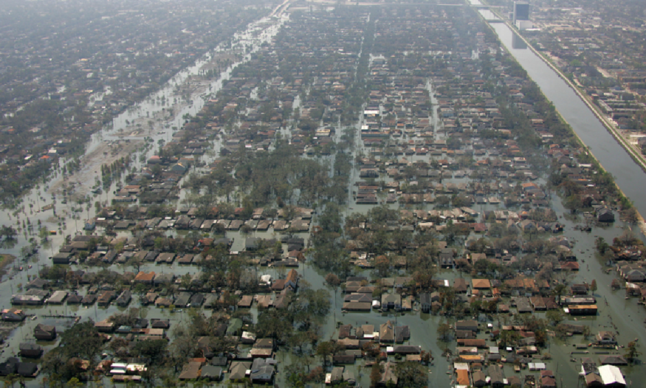 Large parts of New Orleans remain flooded two weeks after several levees failed in the wake of Hurricane Katrina. Photo: Bob McMillan, FEMA