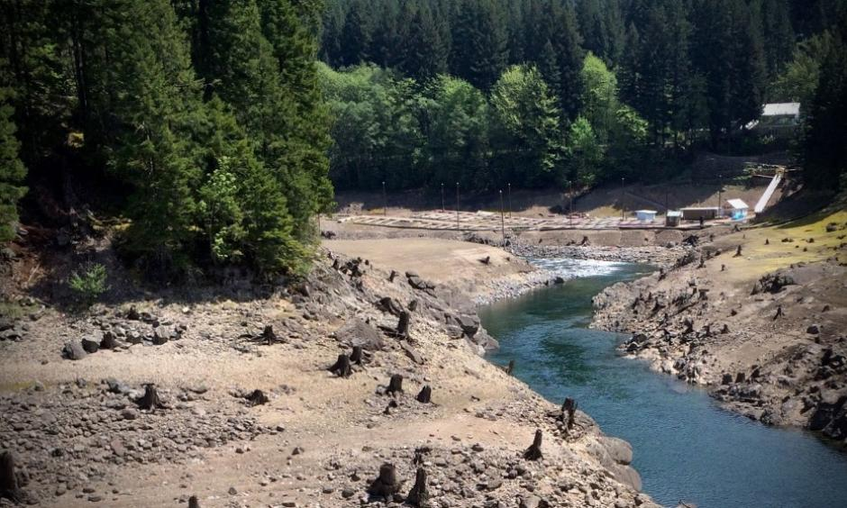 """In what has since been nicknamed the """"snowpack drought"""" of 2015, this Northwestdrought was more a result of unprecedented warmth that caused cold-season precipitation to fall as rain rather than snow on the mountains."""