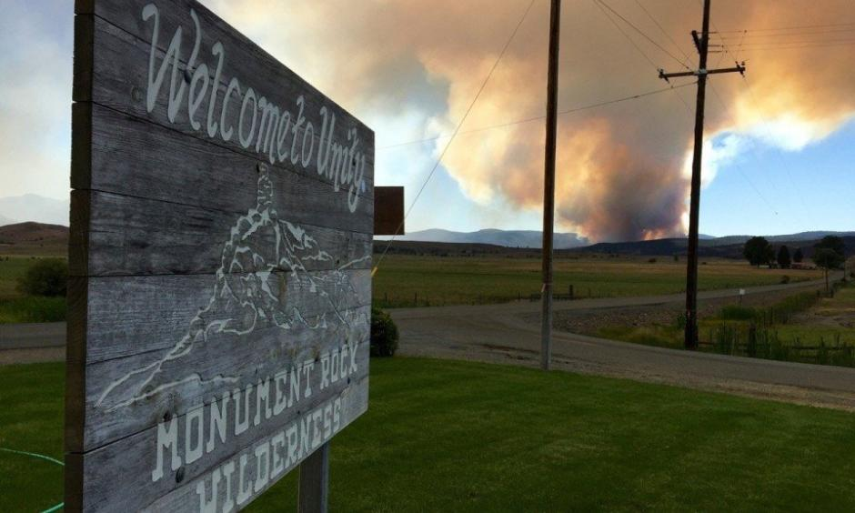 A sign in Unity on Sunday afternoon, July 31, 2016. Called the Rail fire, the blaze broke out Sunday afternoon in Eastern Oregon has firefighters busy. Photo: Les Zaitz/The Oregonian