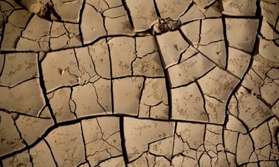 Dry earth in the desert plains of the Danakil depression in northern Ethiopia. Photo: Siegfried Modola, IRIN