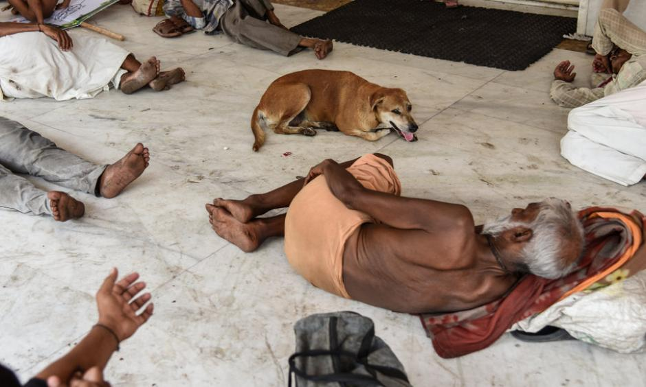 Residents of New Delhi in June. Extreme heat hits poor and already-hot regions like South Asia especially hard. Credit: Saumya Khandelwal for The New York Times
