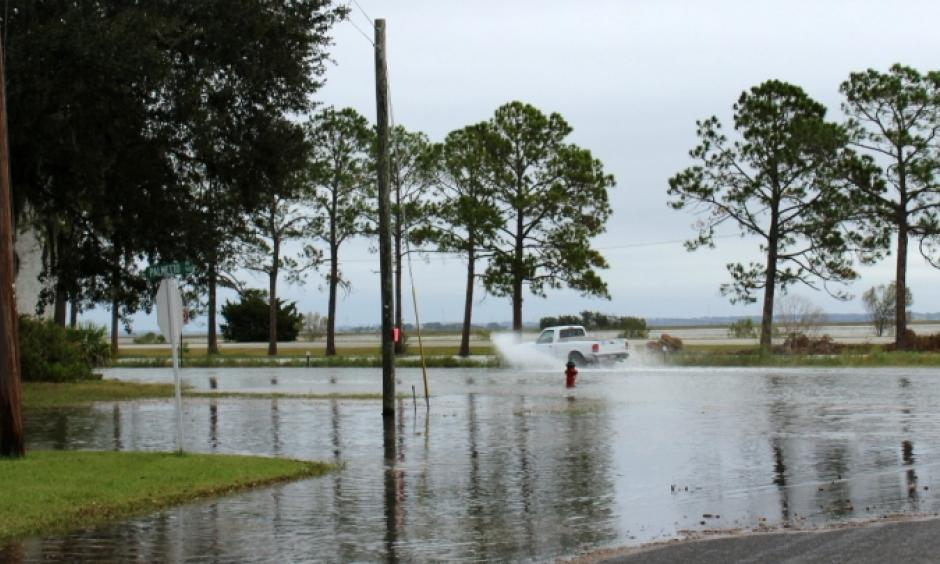 High tide flooding Sunday at the intersection of Prince and Lanier streets in Brunswick, Ga. Photo: JB Workman