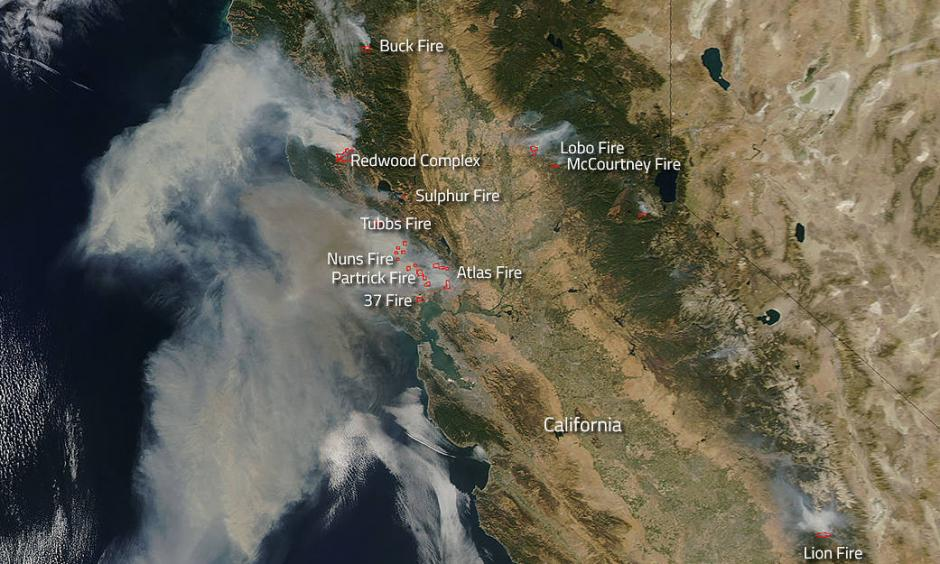 Imagery from NASA's Earth-orbiting satellites showing vast extent of North Bay Fires earlier in October 2017. Image: NASA