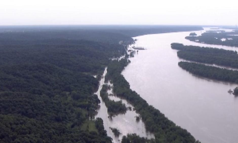 Climate change is increasing the risk of flooding along the Mississippi River
