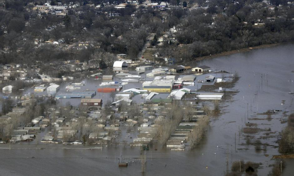 This March 17, 2019 photo released by the U.S. Air Force shows an aerial view of areas surrounding Offutt Air Force Base affect by flood waters in Nebraska. Photo: Tech Sgt Rachelle Blake, the U.S. Air Force via AP