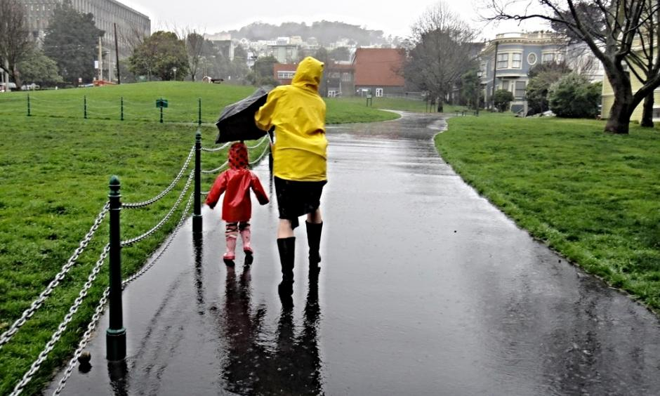Mother & Child in Duboce Park Rain. Image: Lynn Friedman, Flickr