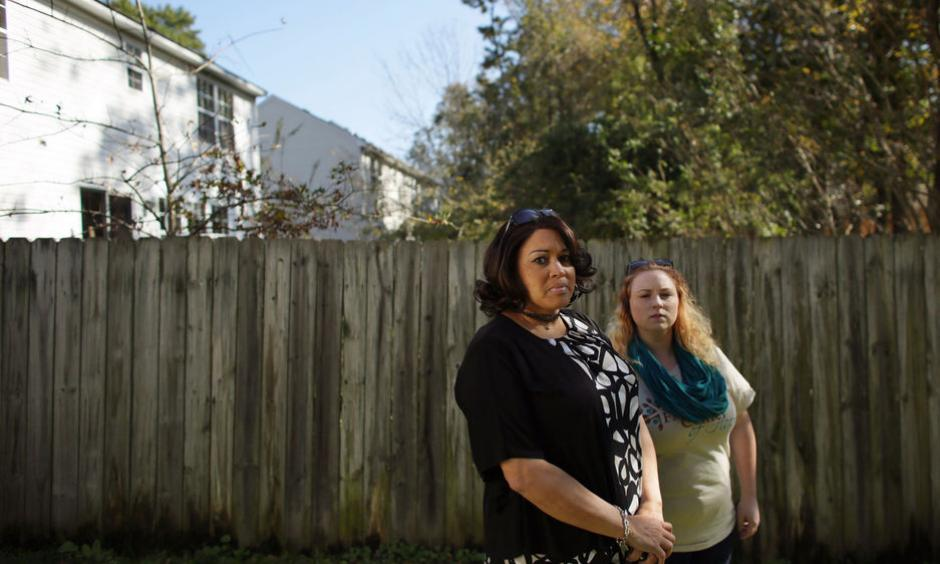 Cynthia Hall, left, and neighbor Hannah Riley have been displaced from their Chesapeake homes. Photo: Vicki Cronis-Nohe, The Virginian Pilot