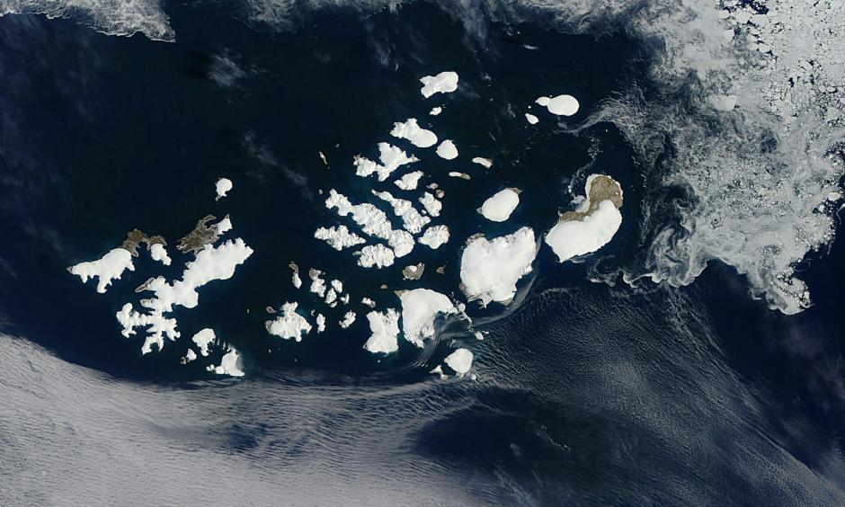 This July 13 image captured by a device on NASA's Aqua satellite shows Franz Josef Land in the Arctic Ocean. Photo: AFP/NASA
