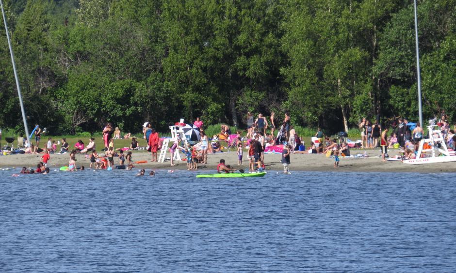 Summer day at Jewel Lake Park in western Anchorage, Alaska. Image: Luke Jones, Flickr