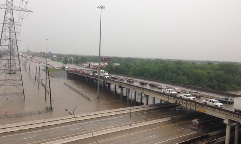 Cars turning traffic back on Beltway 8 near Hardy Toll Road. Photo: @DougMillerKHOU, Twitter