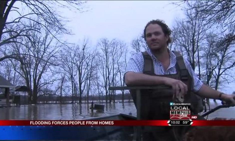 Floods force Clarksdale residents out of homes. Photo: Local Memphis