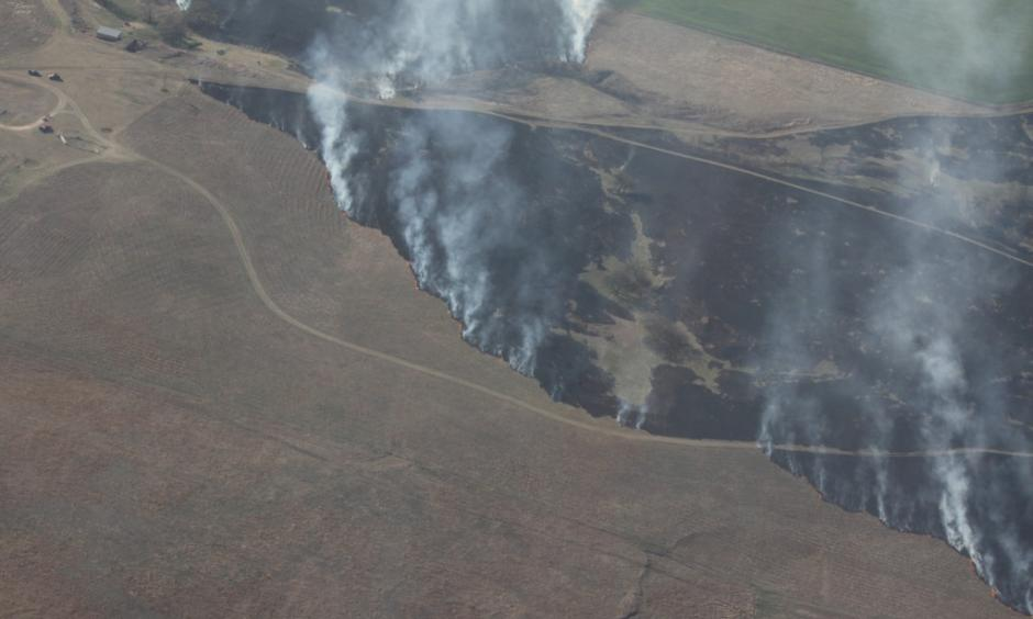 Aerial view of the Kansas wildfire that so far has burned some 400,000 acres. Two residences, as well as a number of outbuildings were destroyed, too, but there have been no serious injuries or fatalities. Photo: Kansas Forest Service