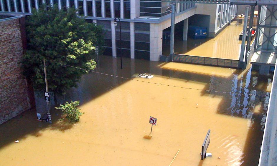 Flooding in downtown Nashville, Tennessee in May 2010. Photo: Kaldari
