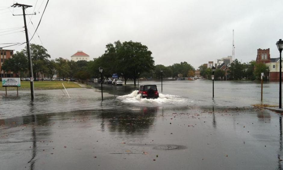 Nuisance street flooding in Norfolk, Virginia on October 9, 2013. Photo: Tal Ezer, Old Dominion University