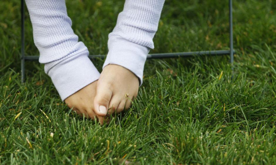 The socks and shoes came off as Newark's Military Park still has green grass to go with the the warm weather in Newark (Ed Murray | NJ Advance Media for NJ.com)