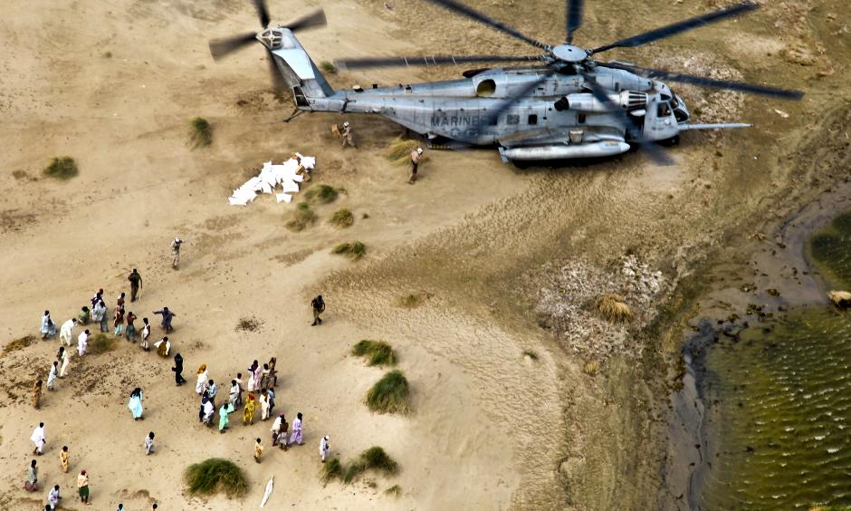 US helping Pakistanis during the 2010 floods. Photo: United States Army