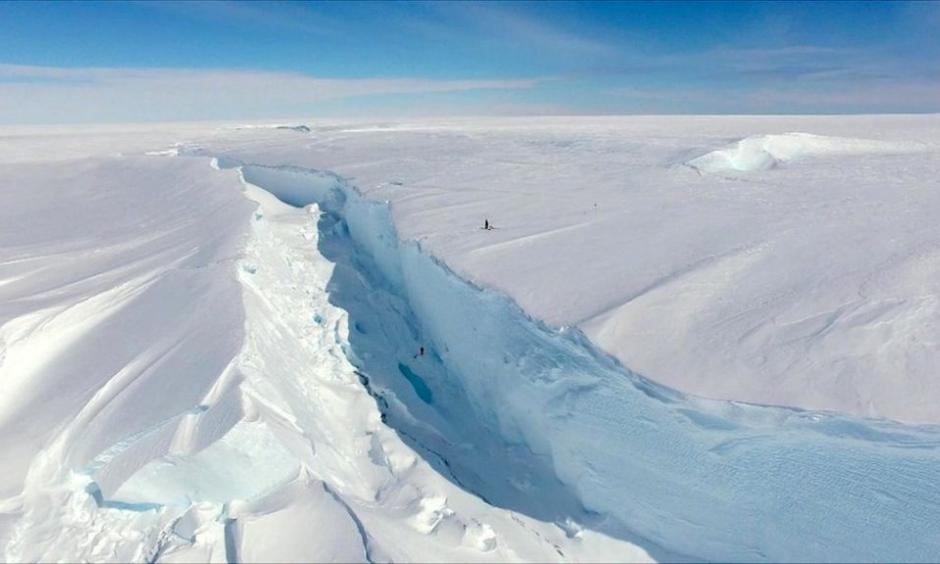 The crack is widening at a rate of 15cm per day. Photo: BAS
