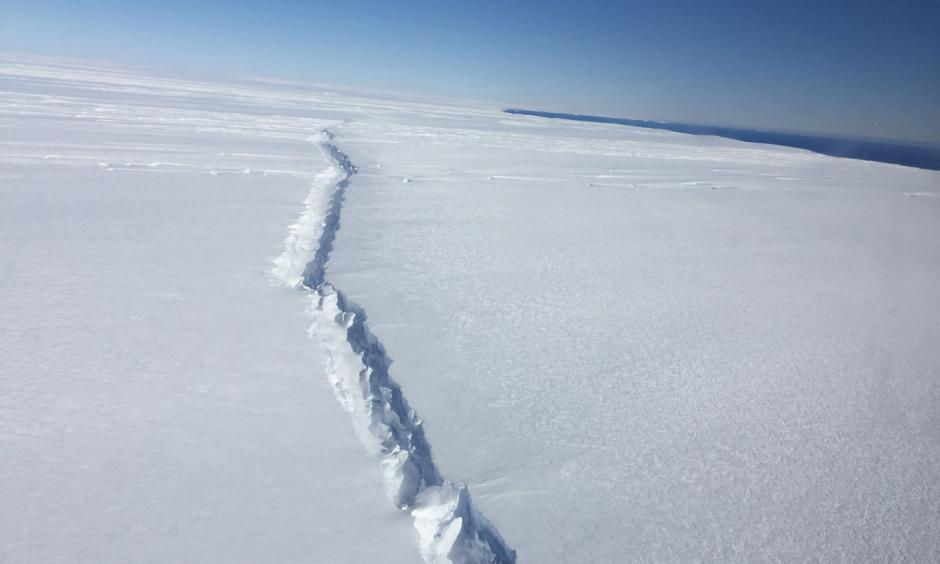 This rift in the Pine Island Glacier ice shelf is the second to form in the center of the West Antarctic ice shelf in the past three years. Credit: Nathan Kurtz/NASA This rift in the Pine Island Glacier ice shelf is the second to form in the center of the West Antarctic ice shelf in the past three years. Photo: Nathan Kurtz, NASA