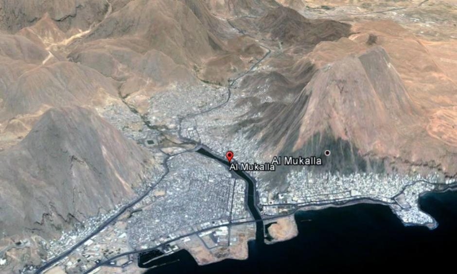 Steep hillsides surround the city of Mukalla on the central Yemen coast. Image: Google Images, via Stu Ostro, The Weather Channel