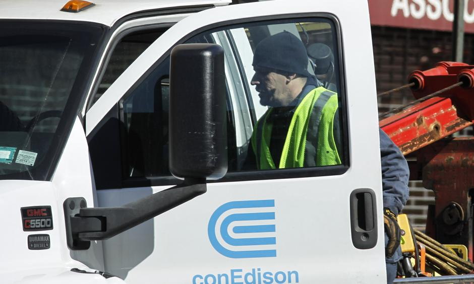 Con Edison is reporting record power usage over the weekend after a heat wave swept through the New York region. Photo: Getty Images
