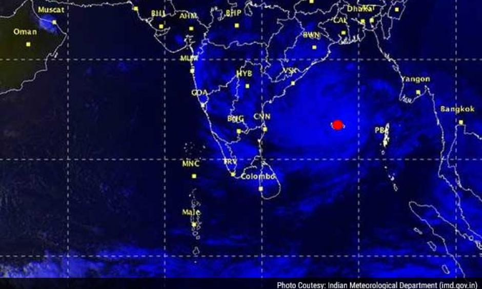 The position of Cyclone Hudhud (red dot) is shown in this map. Photo: Indian Meteorological Department