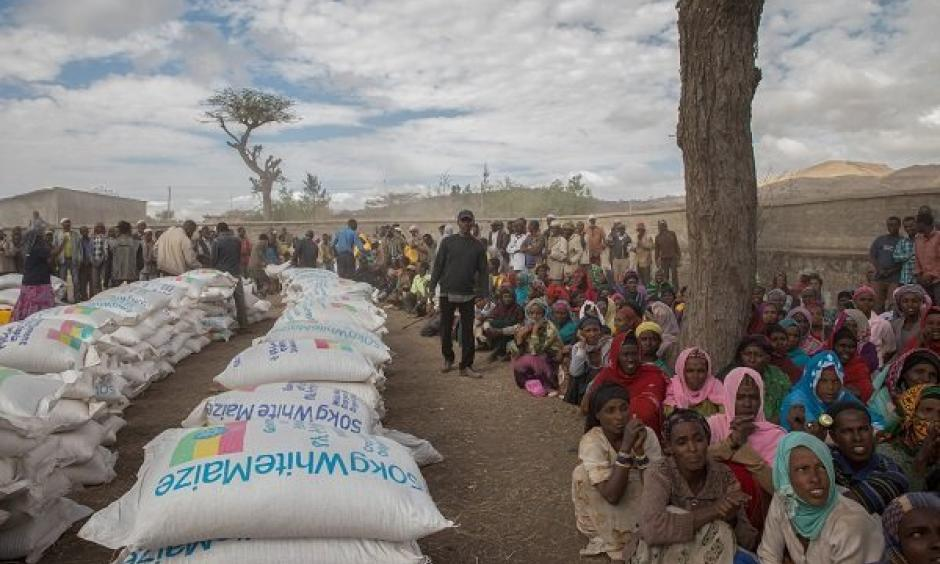Ziway Dugda district communities wait for food distribution at Ogolcha food center in a drought-stricken area of Ethiopia during a Jan. 31, 2016, visit by U.N. Secretary-General Ban Ki-moon. Photo: Mulugeta Ayene, Associated Press