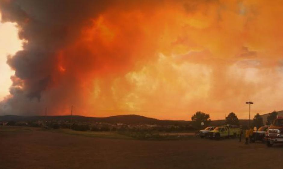 The Dog Head fire spread to 2,000 acres Wednesday night as crews fought to keep it away from towns and structures. Mandatory evacuations were ordered for Chilili and Escabosa. Photo: Roberto E. Rosales / Albuquerque Journal
