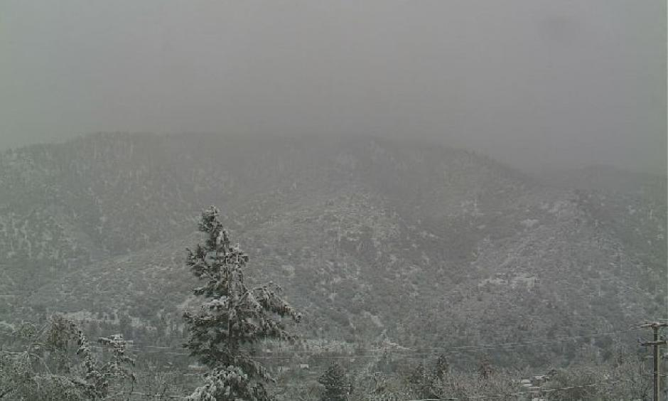 Webcam photo of snow atop Frazier Mountain in far northern Ventura County, CA, on Monday morning, March 7, 2016. Photo: NWS/Los Angeles