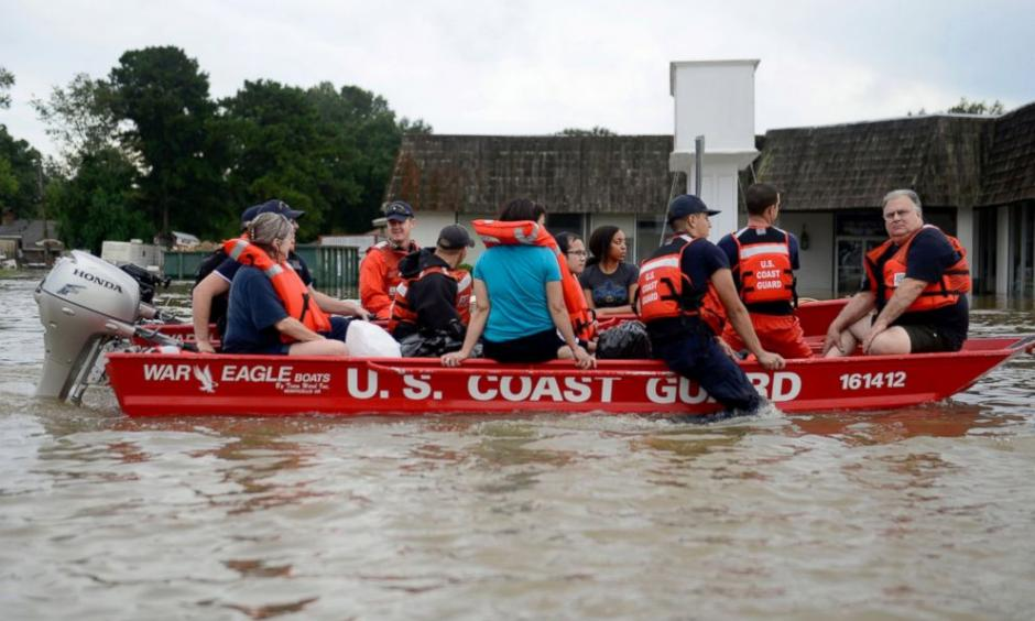 US Coast Guard evacuates people from floodwaters in Baton Rouge, Louisiana, Aug. 14, 2016. Photo: AFP, Getty Images