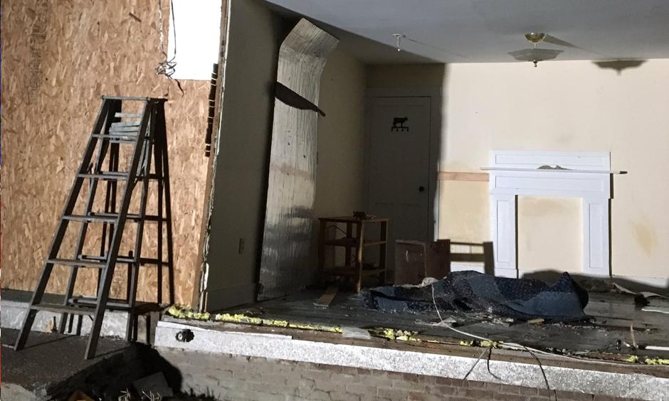 Tornado ripped thru Conway destroying this home. Photo: Tashanea@22News, Facebook