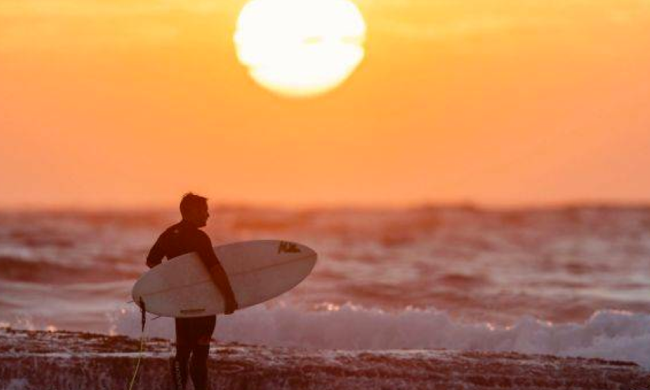 Sydney's record hot summer might be taking a breather but it's not about to end. Photo: Brook Mitchell