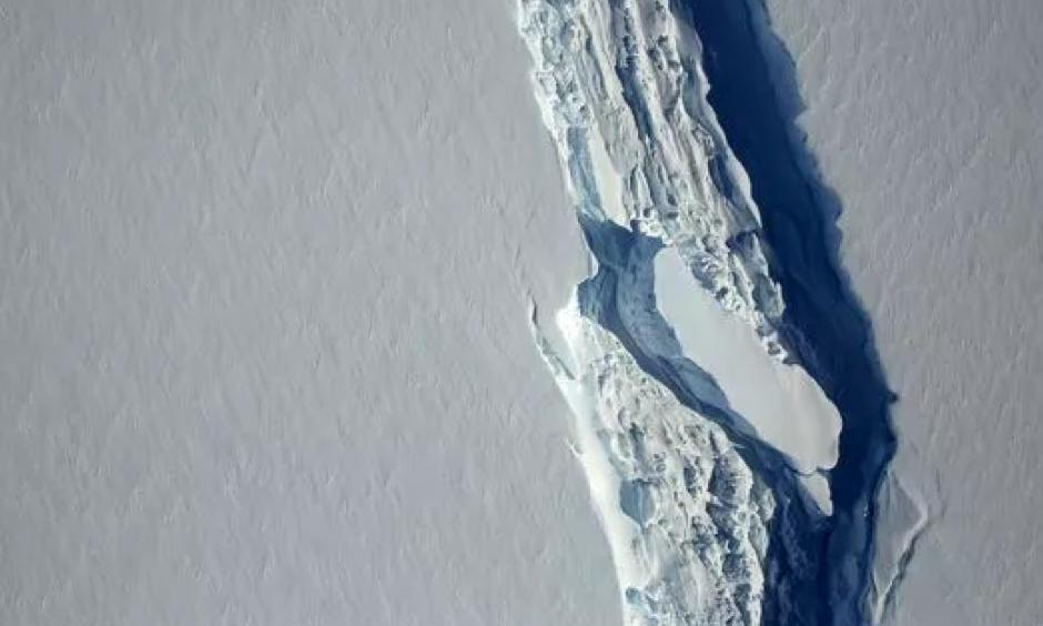 A close-up view of the crack, or rift, in Antarctica's Larsen C ice shelf, as seen on Nov. 10, 2016. Photo: NASA Goddard Space Flight Center