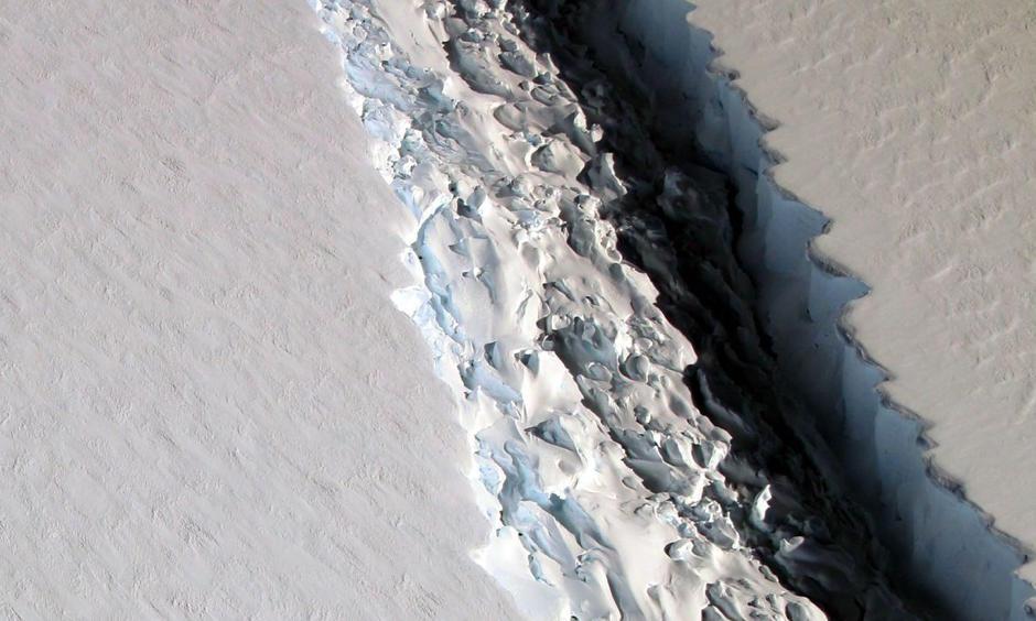 Closeup image of the Larsen C Ice Shelf rift on Nov. 10, 2016. Photo: NASA