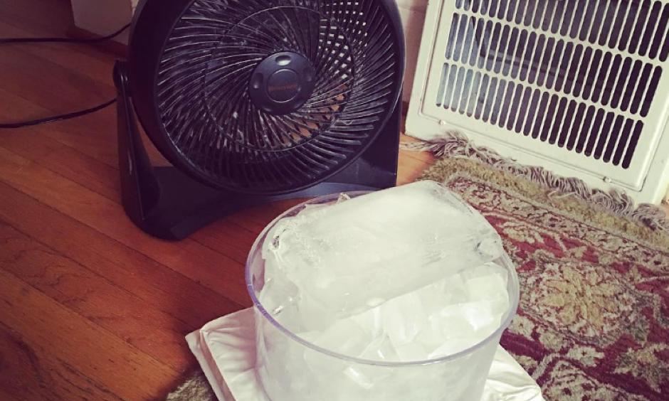 One Portland resident's unconventional cooling method. Photo: CNN via delic8flower75 on Instagram