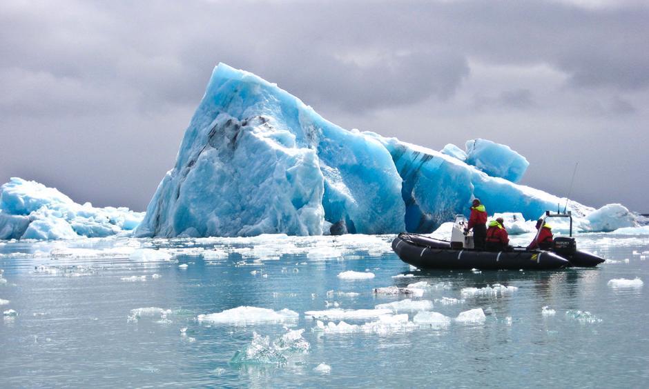 Photo: icelagoon.com
