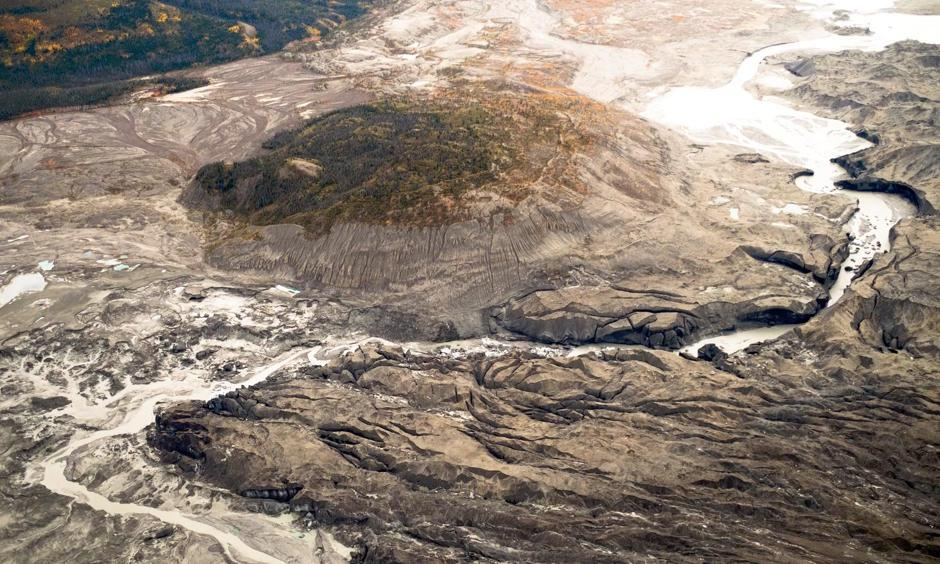 A view of the ice canyon that now carries meltwater from the Kaskawulsh glacier, seen here on the right, away from the Slims river and toward the Kaskawulsh river. Photo: Dan Shugar, University of Washington Tacoma