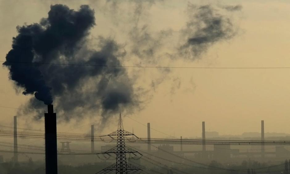 Smoke rises from a power plant in Bottrop, western Germany. Photo: Patrik Stollarz, AFP/Getty Images
