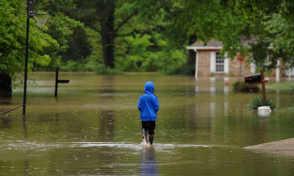 A flooded neighborhood in Arnold, Missouri on May 4, 2017. Heavy downpours from slow-moving storms over the past week sent rivers over their banks, flooding towns and shutting down roads and highways in several states. Photo: Michael B. Thomas, Getty Images