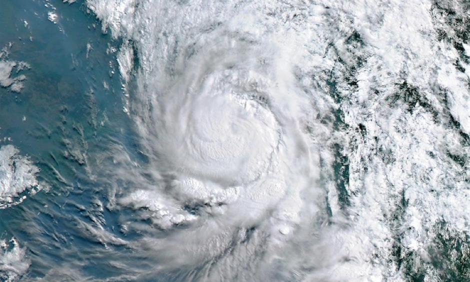 Image from the Himiwari-8 satellite of Cyclone Mora approaching the coast of Bangladesh as a minimal Category 1 hurricane on May 30, 2017. Image: SSEC/CIMSS, University of Wisconsin-Madison, via Wikimedia Commons