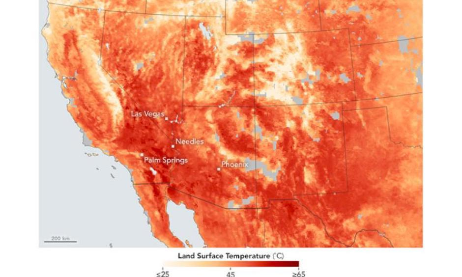 The map above shows land surface temperatures for Las Vegas, Phoenix, Arizona, and Needles and Palm Springs in California. Image: NASA