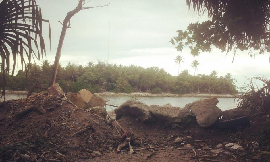 An improvised sea wall at the edge of Majuro Atoll pictured on April 14, 2015. It is the most vulnerable part of the atoll, and residents there have experienced increasingly frequent flooding. Photo: Renee Lewis, Al Jazeera