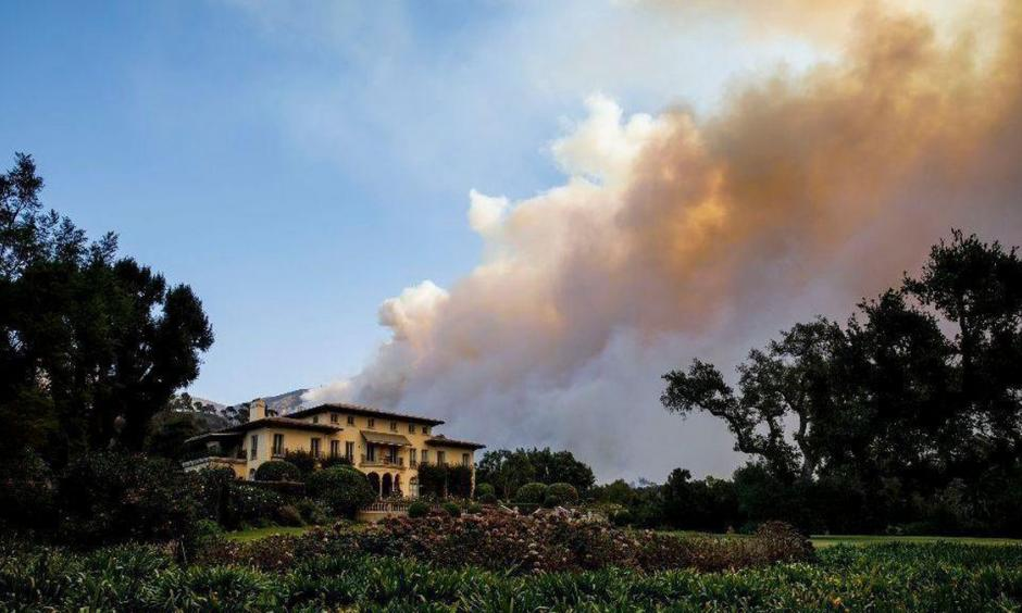 The Thomas fire bears down on homes in Montecito on Saturday. Photo: Marcus Yam, Los Angeles Times