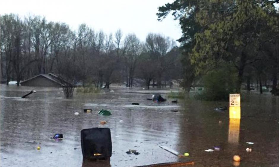 Flooding in Bossier Parish, Louisiana on March 9, 2016 submerged some houses up to their roofs. Numerous water rescues were made Tuesday night as high water started to pile up in parts of Louisiana after heavy rainfall. Photo: David Begnaud, CBS News
