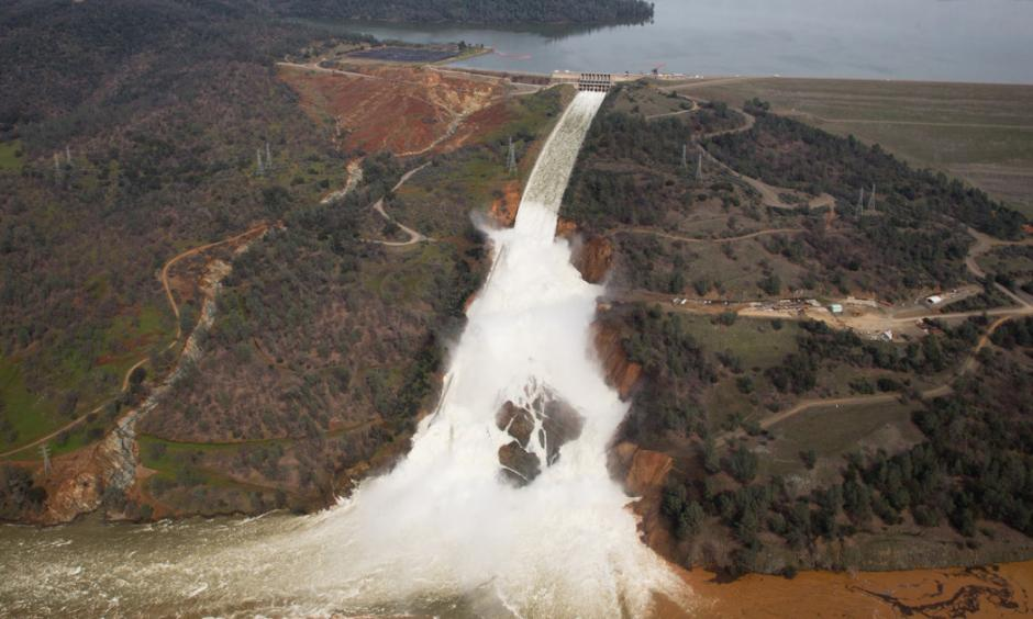 The structural issues at the overwhelmed dam at Lake Oroville are the latest chapter in California's struggle with both droughts and flooding. Photo: Elijah Nouvelage, Getty
