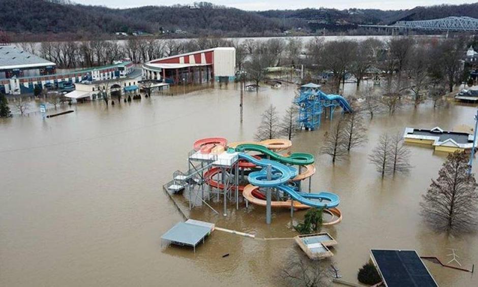 Coney Island amusement park in Cincinnati, Ohio, floods on February 24, 2018, as the Ohio River rises. Photo: Brian Lewis