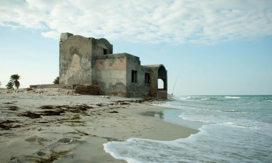 Evidence of a receding coastline. Photo: Climate Adaptation UNDP via Exposure