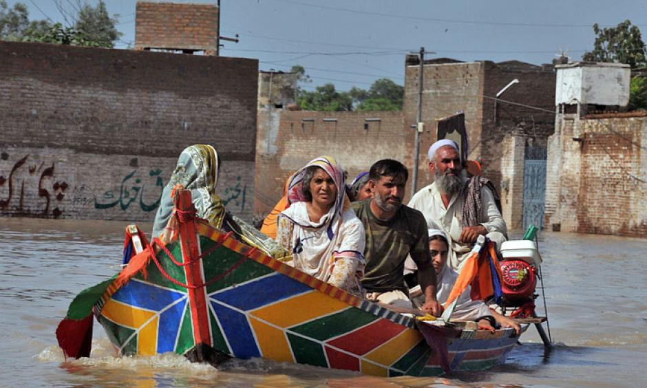 looding forced millions of Pakistanis to flee their homes in July and August 2010. Photo: Abdul Majeed Goraya/IRIN