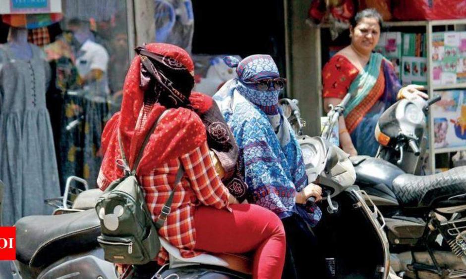 The highest temperature recorded was at Kandla airport, where the mercury touched 46.8°C (116.2°F) on Sunday. Photo: The Times of India