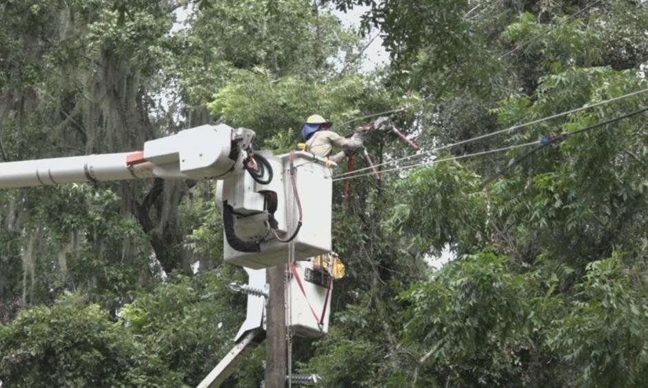 4,200 people remain without power in Tallahassee as of Wednesday night. Photo: WCTV