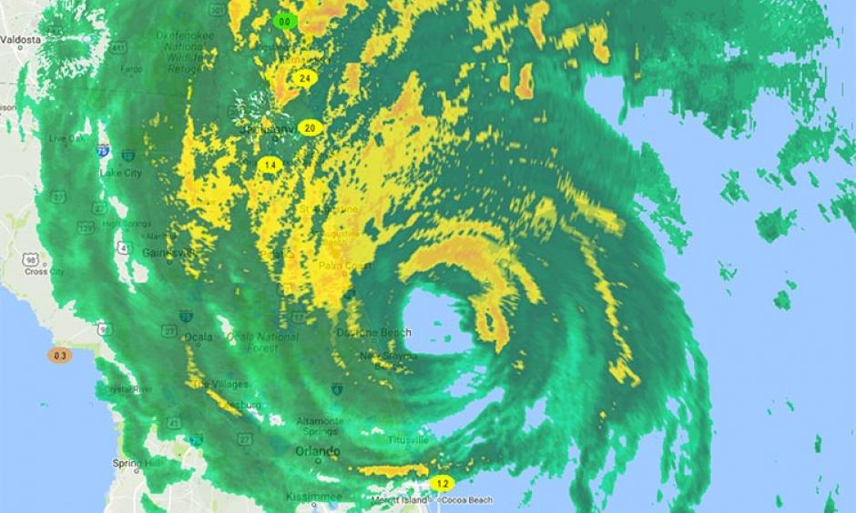 Hurricane Matthew radar at 11:33 am EDT Friday, October 7, 2016, as seen on our wundermap with the storm surge layer turned on. Storm surge levels of 1.2 - 2.4' were along the east coast of Florida. Image: Weather Underground
